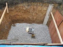 基礎はかなり深く掘ってあります。