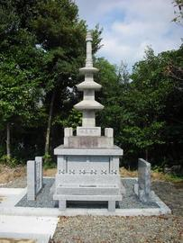 刈谷市大悟寺様墓地内にて墓地増設と合わせて阿育王塔の納骨堂が完成致しました。 詳しいお問い合わせは0566-82-8021まで。